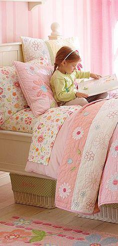 Pink Daisy Garden Girl's Bedding Collection