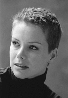 10 Very Short Pixie Haircuts: #1. Very Short Spiked Pixie Cut