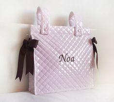 Bolso para carro bebé: Patrón gratis. Louis Vuitton Damier, Pattern, India, Fashion, Diy Baby, Patron Couture, Baby Things, Handmade Crafts, Xmas