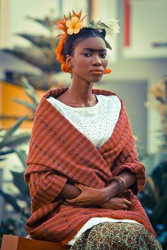 Connue bien au-delà des cercles d'art, Frida Kahlo revêt depuis quelques années le statut d'icône pop et mode.