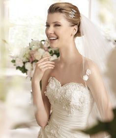MERLIN » Wedding Dresses » 2013 Glamour Collection » La Sposa (close up)