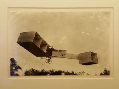 10 December 2016 (17:47) / A photograph from 1906 (unknown author) of SANTOS-DUMONT's aircraft 14-BIS, as presented at the SANTOS-DUMONT exhibition at Itaú Cultural, São Paulo City.