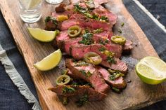 Quick and easy dinners that won't break the calorie bank? We've got 14 for you to try and love. 1. Jalapeno Lime Steakkitchme.comReady in 15 minutes. Only 1