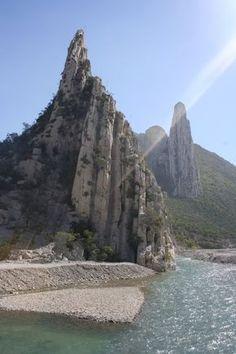 El Cañon de La Huasteca National Park near Monterrey, Nuevo León, Mexico.