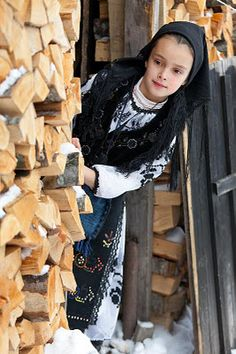 Romanian rural life We Are The World, People Around The World, Beautiful Children, Beautiful People, Bulgaria, Romanian Girls, Folk Costume, Costumes, Central And Eastern Europe