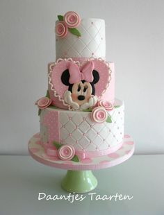 For Sweet little Indya i made this sweet Minnie Mouse cake! I love to make cakes like this with lovely pastel colours :-) Daantje xx Minni Mouse Cake, Bolo Do Mickey Mouse, Mickey And Minnie Cake, Bolo Minnie, Minnie Mouse Birthday Cakes, First Birthday Cakes, Pink Minnie, 2nd Birthday, Baby Cakes