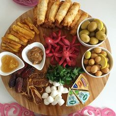 Birlikte kahvaltı yapalım dediğiniz arkadaşlarınızı etiketleyebilirsiniz #gunaydin #mutlu #pazar lar