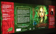 'Splintered' written by A.G. Howard (in Spanish).