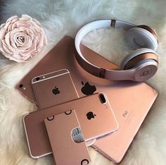 Apple iDevices in Rose Gold - Techno Gadgets Beats Studio 3, Apple Iphone, Apple Laptop, Rose Gold Aesthetic, Accessoires Iphone, Tablets, Coque Iphone, Iphone Accessories, Leica