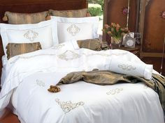 Highgrove - Luxury Duvet Covers - For grandeur of the most impressive kind, these majestic shams and duvet covers are made of a resplendent Viscosa/Bemberg/silk damask
