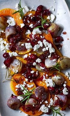 This heavenly roasted butternut squash makes an excellent vegetarian Christmas side or starter. The cranberry and date relish practically twinkles. Roast butternut and feta SCHLGR schlgr Cookout This heavenly roasted butternut squash makes an exce Vegetarian Christmas Dinner, Veggie Christmas, Christmas Dishes, Xmas Food, Christmas Side, Vegetarian Roast Dinner, Christmas Roast, Vegetarian Starters, Vegetarian Cooking