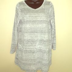 Pure Jill Heather Grey Sweatshirt Super cute top in a soft and comfy velour with side pockets . Size s, in good condition. J. Jill Tops