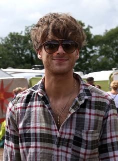 Paolo Nutini is wearing Carrera 85/S sunglasses at  Glastonbury Festival 2014.