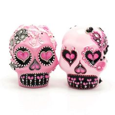 Valentine Pink Skull Cake Toppers Day of the Dead Gothic Wedding Ceramic Sugar Skull Handmade Art and Crafts 00053  www.goodiemud.com