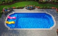 pool im garten ideen Considering an inground fiberglass swimming pool and wondering how much fiberglass pools cost? In this article, we tell you the real cost of a fiberglass pool a Pool Spa, Diy Pool, Swimming Pools Backyard, Swimming Pool Designs, Lap Pools, Swimming Pool Prices, Small Swimming Pools, Indoor Pools, Pool Water