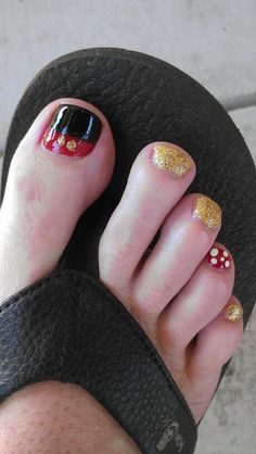 Disney pedicure, ready for Mickey!