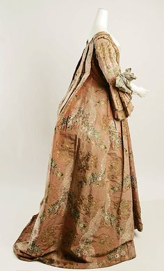 1760 Robe a la Francaise Side-Silk, Metal thread-Fr-Met b 18th Century Dress, 18th Century Costume, 18th Century Clothing, 18th Century Fashion, Clothing And Textile, Antique Clothing, Vintage Dresses, Vintage Outfits, Vintage Fashion