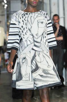Antonio Marras at Milan Fashion Week Spring 2014 - Details Runway Photos Pop Art Fashion, Fashion Now, Fashion Graphic, White Fashion, Fashion Prints, 2014 Fashion Trends, Milan Fashion Weeks, Antonio Marras, Italian Fashion Designers