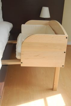 (I need to make a couple of these for my cats!) Baby Bunk Infant Sleeper Solid Maple & lip clip - Mamas Organic Baby | Organic Products for your Family & Home - (Powered by CubeCart) .