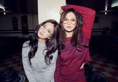 Find images and videos about model, ulzzang and kfashion on We Heart It - the app to get lost in what you love. Korean Couple, Korean Girl, Asian Girl, Bff, Besties, Yoon Ara, Best Friend Couples, Uzzlang Girl, Cute Gay Couples