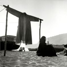 Portugal Nazare In 1954 Marc Riboud, Portugal, Sabine Weiss, Willy Ronis, Robert Doisneau, French Photographers, Fishing Villages, Town And Country, European Travel