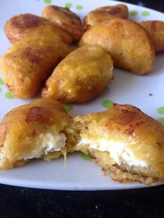 Give your life some meaning with these plantain empanadas. Plantain Recipes, Banana Recipes, Comida Latina, Venezuelan Food, Great Recipes, Favorite Recipes, Food Porn, Colombian Food, Caribbean Recipes