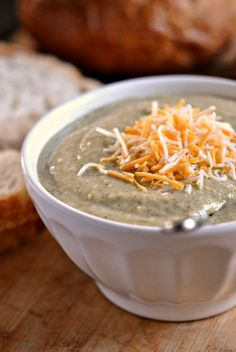 Cheesy Broccoli Soup (serves 8) Calories: 218 Fat: 15.5 Carbohydrates: 12.1 Sugar: 4.9 Sodium: 432 Fiber: 2.2 Protein: 10.5