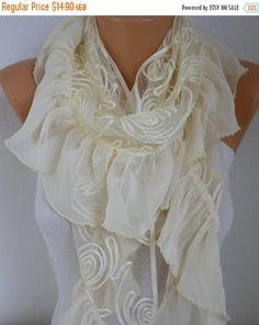 EN VENTAPálido amarillo mantón de la bufanda verano