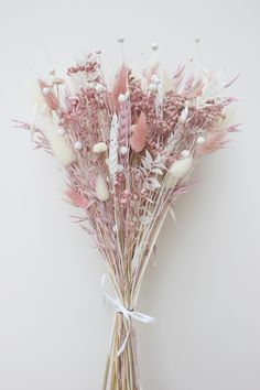 Flower Iphone Wallpaper, Flower Background Wallpaper, Flower Backgrounds, Aesthetic Iphone Wallpaper, Aesthetic Wallpapers, Dried Flower Bouquet, Dried Flowers, Flower Aesthetic, Pink Aesthetic