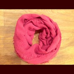 SALE Fuchsia Scarf Perfect for fall great condition! 5 for $20! Forever 21 Accessories Scarves & Wraps