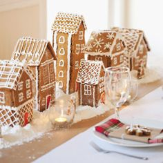 Gingerbread Houses for different Christmas table!