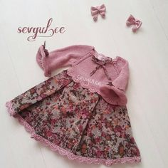 From this lovely dress Sevgul Sumer Dielemans. Baby Knitting Patterns, Knitting Designs, Vintage Dress Patterns, Vintage Dresses, Trendy Dresses, Casual Dresses, Little Girl Dresses, Girls Dresses, Most Beautiful Dresses