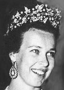 Tiara Mania: Princess Maria Pia of Savoy's Ivy Wreath Tiara worn by Princess Maria Gabriella