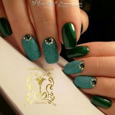 Hey there lovers of nail art! In this post we are going to share with you some Magnificent Nail Art Designs that are going to catch your eye and that you will want to copy for sure. Nail art is gaining more… Read Orange Nail Designs, Simple Nail Art Designs, Beautiful Nail Designs, Love Nails, My Nails, Gel Nagel Design, Nagellack Trends, Nail Polish Trends, Luxury Nails