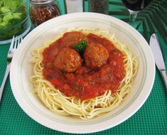Sauce Spaghetti, Spaghetti Noodles, Snap Food, White Sauce, Lunches And Dinners, Vinaigrette, Gravy, Pizza, Cooking Recipes