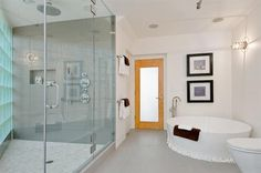 Gorgeous free standing bath..