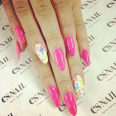 Nail pink and stars. #Zendaya #Nails