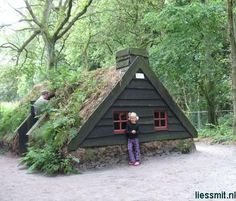Cob+Hobbit+House | ... houses, gate lodges, cabins, tree, dome and funny hobbit houses