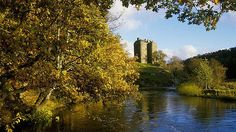 Neidpath Castle & River Tweed | Neidpath Castle, Peebles, Scottish Borders, Scotland | Flickr