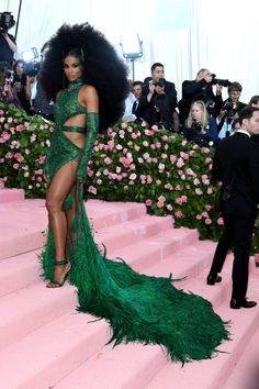 Met Gala stars turn up the camp on the pink carpet – in pictures Carpet Diy, Pink Carpet, Cream Carpet, Fur Carpet, Plush Carpet, Black Carpet, Carpet Tiles, Carpet Colors, Gucci Gown