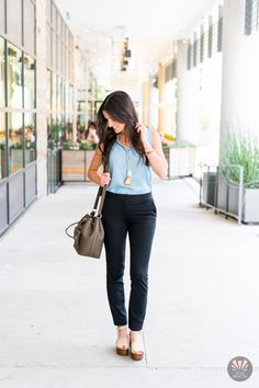 If you're a Foxcroft gal, then you are already smitten on our fabulous Tencel Shop! Fashion blogger, Michelle of Style Beacon, flaunts our tender Tencel all about town. Read more to get details on her outfit.  #Foxcroft #StyleBeacon #fashionblogger #styleblogger #styleinspo #outfitinspiration #ootd #tencel #tencelshirt #denimlook #cute #obssesed