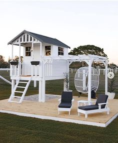 Creative mum turns cubby house from Bunnings into Hamptons h.-Creative mum turns cubby house from Bunnings into Hamptons haven - Backyard Playhouse, Backyard Playground, Backyard For Kids, Backyard Patio, Kids Outdoor Playhouses, Kids Playset Outdoor, Playhouse Decor, Kids Playhouse Plans, Modern Playhouse