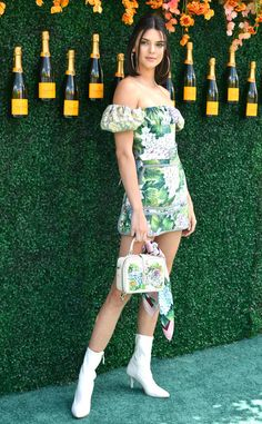 Kendall Jenner from The Big Picture: Today's Hot Photos  Floral frenzy! The model poses at theVeuve Cliquot Polo Classic inJersey City.