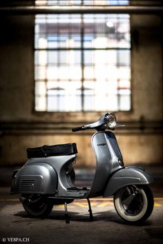 """If you do not understand the German language, please click """"HERE"""" to translate the homepage into english or the language you wish; TRANSLATE HERE. Vespa Et4, Vespa Rally, Vespa Sprint, Piaggio Vespa, Lambretta Scooter, Vespa Scooters, Vintage Vespa, Triumph Motorcycles, Custom Motorcycles"""