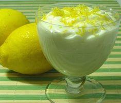 Talvez uma das mais simples e rápidas sobremesas de se fazer! - Receita Sobremesa : Mousse de limão simples de Mati1234rock