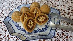 Figos secos recheados com nozes, uma combinação perfeita!!!     INGREDIENTES   15 figos (tipo turco)   30 metades de nozes   75 g de açúcar...