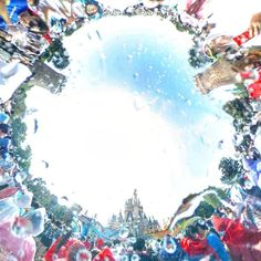 Are you ready to get wet? 水しぶきの中に飛び込もう! (Photo:@yr.111)  #disneynatsumatsuri #sansuisummerbeat #cinderellacastle #tokyodisneyland #水しぶき #360度カメラ #燦水サマービート #ディズニー夏祭り #シンデレラ城  #東京ディズニーランド #東京ディズニーリゾート  これからもゲストのみなさんの写真をご紹介します。 #tokyodisneyresort などをつけて投稿してくださいね。詳しくは公式ブログでご案内しています。 http://www.tokyodisneyresort.jp/blog/151005/