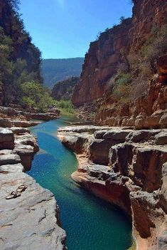 Agadir - About 60 km northeast of Agadir, into the High Atlas foothills, an oleander and palmlined gorge, a popular picnic and swimming spot named Paradise Valley. The famous cascades of Immouzzer, one of North Africa's most beautiful waterfalls, flow most strongly between February and August. Immouzzer, even without water pressure, is a delightful place to hang around for a few days and walk. Steps lead down to the bottom of the falls.