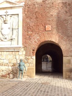 Puerta de Santa Ana Melilla La Vieja Santa Ana, Spain Holidays, North Coast, Cadiz, Portugal, Spain Travel, Malaga, Hiking Trails, Continents