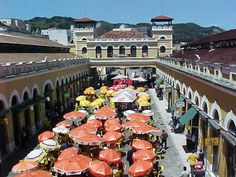 Ala Norte do Mercado Público de Florianópolis, comida, bebida, compras e música ao vivo